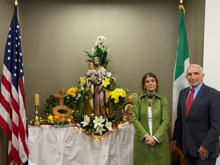 """Dr. Florentina Russo of St. John's University with Comm. Joseph Sciame welcome all to a zoom """" La Tavola di San Giuseppe""""."""